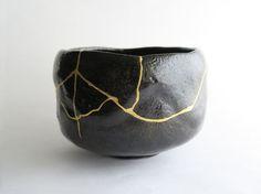 金継ぎ kintsugi monotsugi tokyo モノ継ぎ #モノ継ぎ #kintsugi #金継ぎ #monotsugi #japan Japan Crafts, Japanese Ceramics, Kintsugi, Wabi Sabi, Japanese Art, Artisan, Antiques, Metal, Porcelain