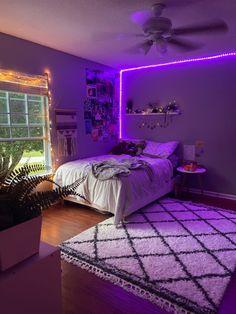 Cute Bedroom Decor, Room Design Bedroom, Girl Bedroom Designs, Room Ideas Bedroom, Home Room Design, Home Bedroom, Cozy Small Bedrooms, Chill Room, Neon Room