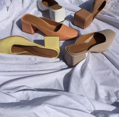 The Best Spanish Fashion Brands To Shop Now fashion shoes Pretty Shoes, Cute Shoes, Me Too Shoes, Stilettos, Spanish Fashion, Clutch, Vintage Shoes, Sock Shoes, Summer Shoes