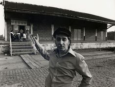 George Eugeniou in front of the first Theatro Technis . My Past, The One, Che Guevara, Places, People, People Illustration, Folk, Lugares