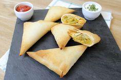 I triangolini di verdure con pasta fillo sono un'ottimo secondo veramente semplice e veloce da preparare. Potete riempirli con le verdure che preferite,