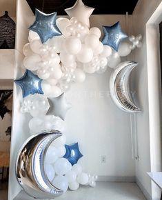 Cloud Baby Shower Theme, Boy Baby Shower Themes, Star Baby Showers, Baby Shower Fun, Baby Shower Balloons, Baby Shower Gender Reveal, Baby Shower Parties, Deco Ballon, Birthday Balloon Decorations