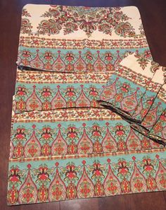 Pottery Barn Set 4 Teal Red Green Gold  Ivory Pattern Placemats Matching Napkins    eBay