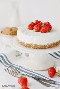La tana del coniglio: Cheesecake allo yogurt con cocco e fragole