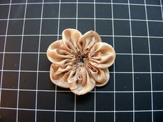 Amarilys's Scrappy Corner: tuesday...ribbon flower tutorial