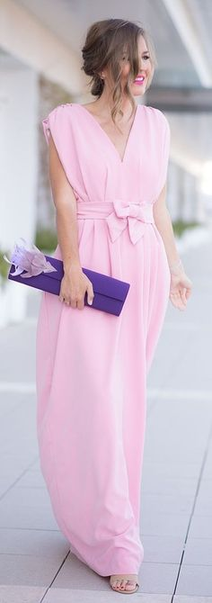 #spring #street #fashion #outfitideas | Pink Wedding Guest Dress + Pop Of Purple | Mi Aventura Con La Moda
