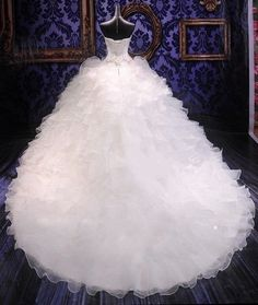Bling Brides Bouquet online Bridal Store Ball Gown Wedding Dress Embroidery Vintage Sweetheart Organza Ruffles Wedding Gowns Item Type: Wedding Dresses Waistlin