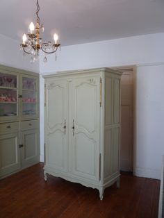 A painted Louis vintage French armoire in exceptional condition. French Armoire, French Mirror, Wardrobe Furniture, Armoire Wardrobe, Vintage Furniture, Painted Furniture, Painted Wardrobe, Hanging Rail, French Vintage
