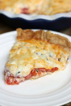 """You say Tomato Pie, I say it looks a lot like pizza. """"A savory summertime tomato pie with fresh tomatoes, fresh basil, and a delicious cheese mixture spooned over top. Vegetable Dishes, Vegetable Recipes, Vegetarian Recipes, Cooking Recipes, Tomato Dishes, Veggie Food, Cooking Tips, Vegetable Pie, Good Food"""