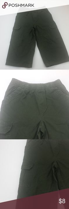 "boys 3T green cargo pants faded glory H41 boys 3T green cargo pants faded glory H41 Size: 3T Color:  green    Material: 100% organic cotton Waist: 9"" Inseam: 13"" *Measurements are approximate Color may differ slightly than pictured!  Everything is in Excellent used condition, unless stated otherwise. Feel free to comment with any questions you may have! Thanks for looking, and feel free to check out my other listings!! Faded Glory Bottoms Casual"