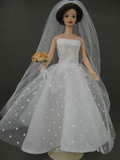 Wedding Dots. Zelfgemaakte Barbie kleding te koop via Marktplaats. Verkocht