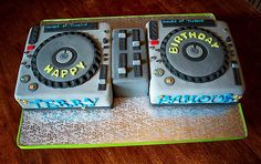 50 Creative Party Celebration Cake Designs Around The World | Wedding Photography Design