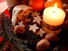 HolidayCity Flash Travel Article - Christmas Traditions in Germany Greek Christmas, German Christmas, First Christmas, Xmas, Christmas Stuff, Candle Centerpieces, Pillar Candles, Candle Jars, Apple Cinnamon Loaf