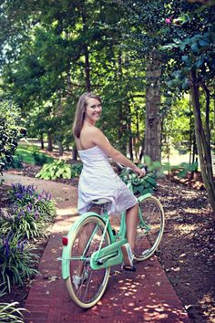 Girl on a mint green beach cruiser Urban Cycling, Urban Bike, Bicycle Race, Bicycle Girl, Green Beach, Mint Green, Cycling Girls, Cycling Outfit, Cycling Clothes