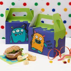 In diesen Boxen ist genügend Platz für monsterstarke Mitgebsel! Geschenkboxen Monster, grün/lila, 10x15x20cm, 5 Stück für 3,95 EUR.
