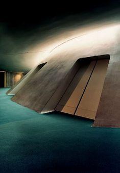 Oscar Niemeyer/Le siège du Parti Communiste français, 1965