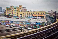 Jeremiah's Vanishing New York: 5 Pointz Pit
