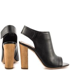 Jaggard - Black Leather