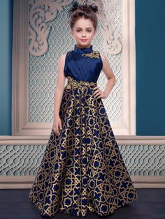 Pakistani Baby Girls Fancy Dresses For Birthday Party, Weddings EStyleOut Girls Fancy Dresses, Gowns For Girls, Little Girl Dresses, Formal Dresses, Kids Fashion Wear, Girl Fashion, Fashion Design, Dress Anak, Frock Design