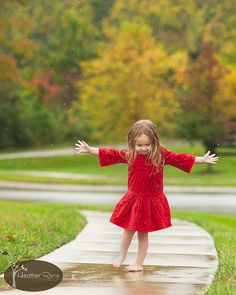 Anyone who says sunshine brings happiness has never danced in the rain.  ~Author Unknown