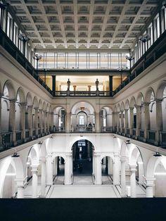 Loggiato dell'edificio centrale dell'ETH di Zurigo