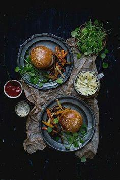 Burger Think Food, Love Food, Homemade Buns, Dark Food Photography, Roasted Root Vegetables, Pork Sandwich, Comfort Food, Tahini, Food Presentation