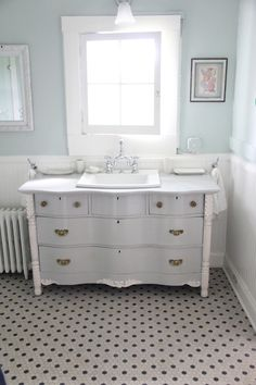 country guest bathroom paint colors   Guest Blogger: Lesli from My Old Country House