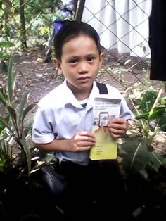 My nephew happily supporting the worldwide campaign JW.ORG Bago City, Philippines - Thank you!