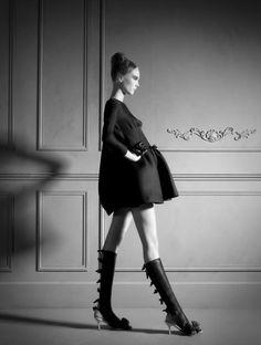 VALENTINO - Sophie GlasserSophie Glasser