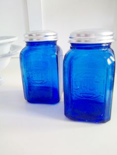 colbolt blue glass salt and pepper pots