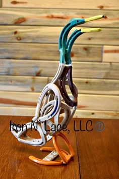 Sociable awesome metal welding projects visit their website Horseshoe Projects, Horseshoe Crafts, Horseshoe Art, Metal Welding, Arc Welding, Welding Tools, Welding Ideas, Diy Tools, Woodworking Projects