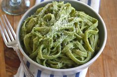 Avocado-Basil Pesto Pasta- very satisfying, made with whole wheat spaghetti! Next time I will add some steamed green beans or some other green veggie! Avocado Pesto Pasta, Basil Pasta, Vegetarian Recipes, Healthy Recipes, Ravioli, I Love Food, Pasta Dishes, Pasta Recipes, Entrees