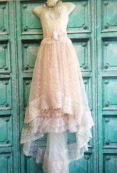 Flüstern Sie Rosa & Elfenbein Organza Fischschwanz Boho Hochzeitskleid von Miss k Meerjungfrau