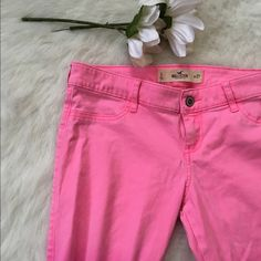 Pink Ombré Hollister Super Stretch Skinny Jeans Absolutely adorable and no flaws on these at all! Vey stretchy and comfortable to wear! 15 inch waist, 27.5 inch inseam. NO TRADES PLEASE Hollister Pants Skinny