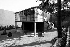 Casa fridah Kahlo y Diego rivera Frida And Diego, Minimal Architecture, Diego Rivera, Reinforced Concrete, Brutalist, Minimalism, Stairs, World, Rationalism