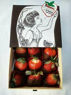 Fresas con chocolate  Caja impresa signo zodiacal