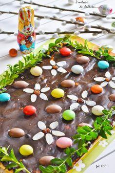 Z miłości do słodkości...: Wielkanocny mazurek z masą krówkową