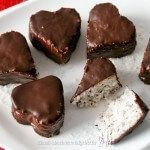 Chokladdoppad After Eight-tryffel Low Carb Desserts, Low Carb Recipes, Snack Recipes, Snacks, Ketogenic Recipes, Low Carb Köstlichkeiten, High Protein Low Carb, Vegan Sweets, Vegan Baking