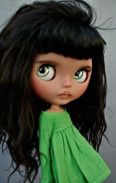Que preciosa munequita con unos ojos bellos