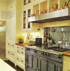 white kitchen cabinet, LaCornue Le Chateau 147 range, French range, Mick De Giulio kitchen, Traditional Home via Atticmag