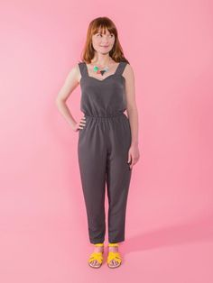 The Marigold Jumpsuit and Trousers paper sewing pattern from Tilly and the Buttons is a stylish jumpsuit or a pair of casual trousers. The relaxed peg-shaped trousers are easy-fitting at the hip, with slash pockets. The jumpsuit has a sweetheart neckline. Peg Trousers, Tilly And The Buttons, How To Make Clothes, Pdf Sewing Patterns, Clothes Patterns, Dress Patterns, Sewing A Button, Couture, Summer Essentials