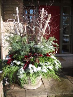 42 Beautiful Christmas Outdoor Pot Decorations Ideas 24 Rope Lights Birch and Winter Pots Christmas Christmas Urns, Christmas Planters, Christmas Greenery, Outdoor Christmas Decorations, Christmas Centerpieces, Christmas Holidays, Christmas Wreaths, Holiday Decor, Christmas Ideas