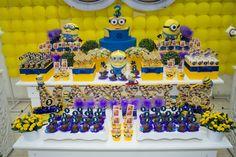 Imagen de http://img.elo7.com.br/product/original/8E8777/decoracao-minions-festa-meu-malvado-favorito.jpg.