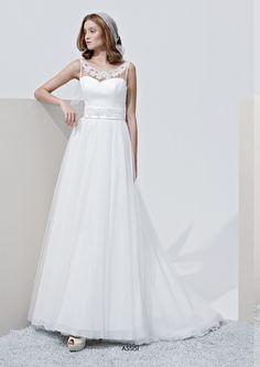 """Collezione Privée 2015 - Elisabetta Polignano: """"Assisi"""" abito con cintura gioiello #wedding #weddingdress #weddinggown #abitodasposa"""