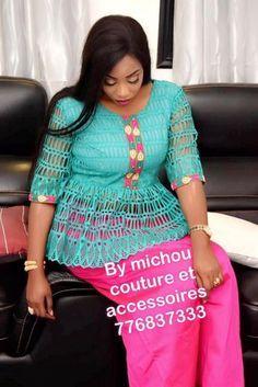 10 photos- Tendances Korité 2018: Les plus beaux modèles de Nafina African Attire, African Wear, African Dress, Latest African Fashion Dresses, African Print Fashion, Elegant Dresses For Women, Simple Dresses, Kente Styles, African Design