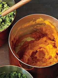 Butternut Squash Mash Recipe - Roast some garlic with the squash. Add thyme, paprika and cumin. Add this non-volumous mixture to your mashed squash. Butter Squash Recipe, Best Butternut Squash Recipe, Mashed Butternut Squash, Thanksgiving Side Dishes, Thanksgiving Recipes, Fall Recipes, Holiday Recipes, Thanksgiving 2013, Holiday Meals