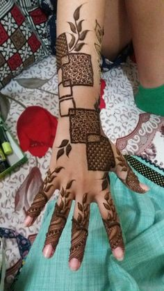 Explore latest Mehndi Designs images in 2019 on Happy Shappy. Mehendi design is also known as the heena design or henna patterns worldwide. We are here with the best mehndi designs images from worldwide. Dulhan Mehndi Designs, Henna Mehndi, Arabic Bridal Mehndi Designs, Henna Art Designs, Mehndi Designs For Girls, Mehndi Designs For Beginners, Modern Mehndi Designs, Mehndi Design Pictures, Tatoo