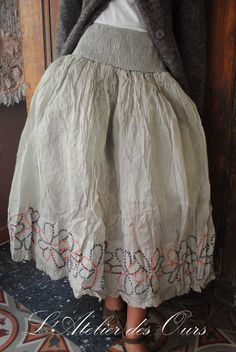 This is a skirt, but it would translate so beautifully as an apron.