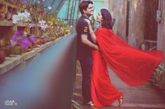 Our favorite red! Looks awesome! Photo by Isabella Illusion, Bhubaneshwar #weddingnet #wedding #india #indian #indianwedding #prewedding #photoshoot #photoset #photographer #photography #details #sweet #cute #gorgeous #fabulous #couple #hearts #lovestory