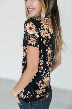 Florals for Fall.. this tee is everything your floral loving heart needs. It's buttery soft and total cute. Prepare for the compliments! Also available in Ivory! 95% Rayon, 5% Spandex See Sierra's siz